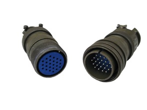 WHAT IS THE DIFFERENCE BETWEEN AVIATION PLUGS AND CONNECTORS?